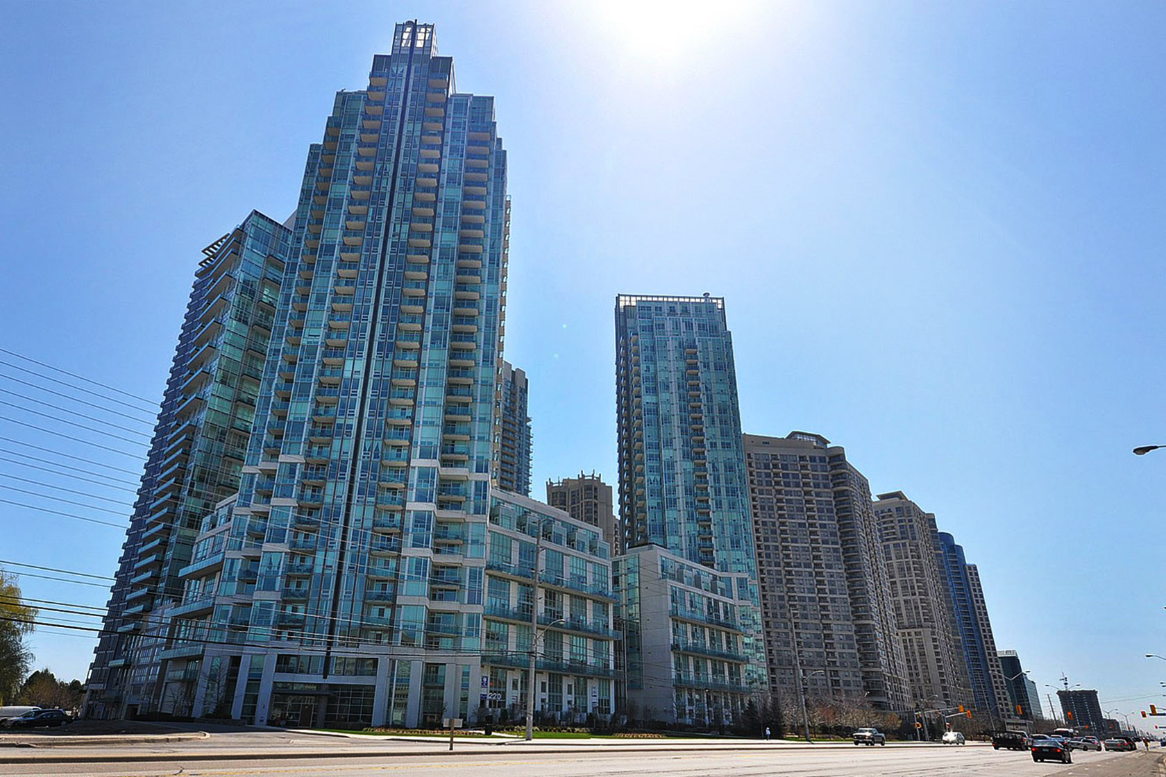 square one condos Selling Square One Condos this Summer selling square one condos this summer